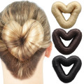 8 cm Love Heart Hair Donut - faux cheveux